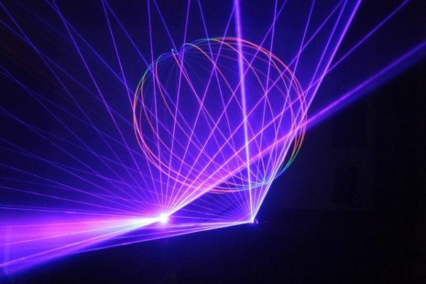 Laser - Lukas Neumeier - hippie-nerd.de